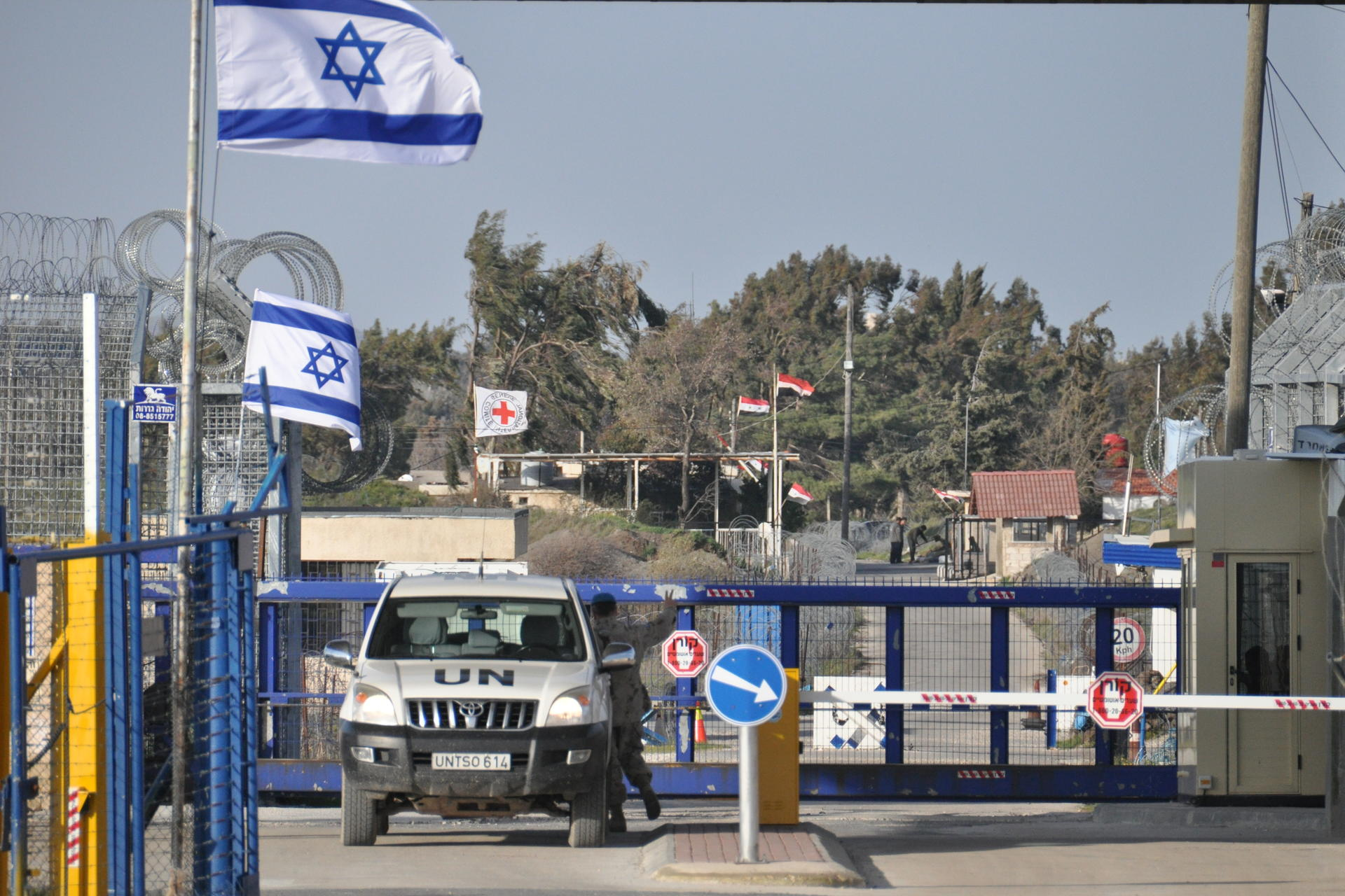 UN vehicle at Golan Heights border crossing point