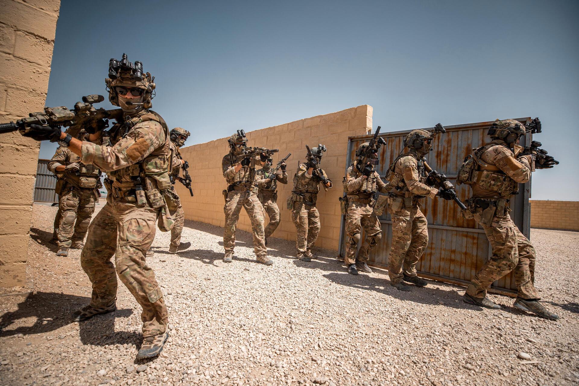 Nederlandse MARSOF in Afghanistan voor het trainen van Afghan Territorial Force 888 (Bron: https://magazines.defensie.nl/allehens/2019/08/02_trainen-adviseren-en-operaties-ondersteunen)